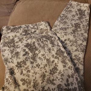 Floral print ankle pants